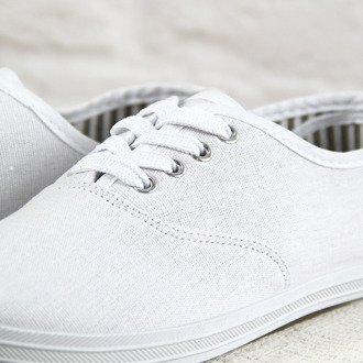 Białe tenisówki materiałowe sznurowane Wishot