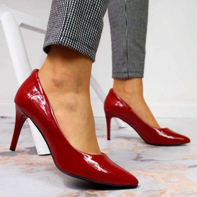 Czółenka na szpilce lakierowane czerwone Juma