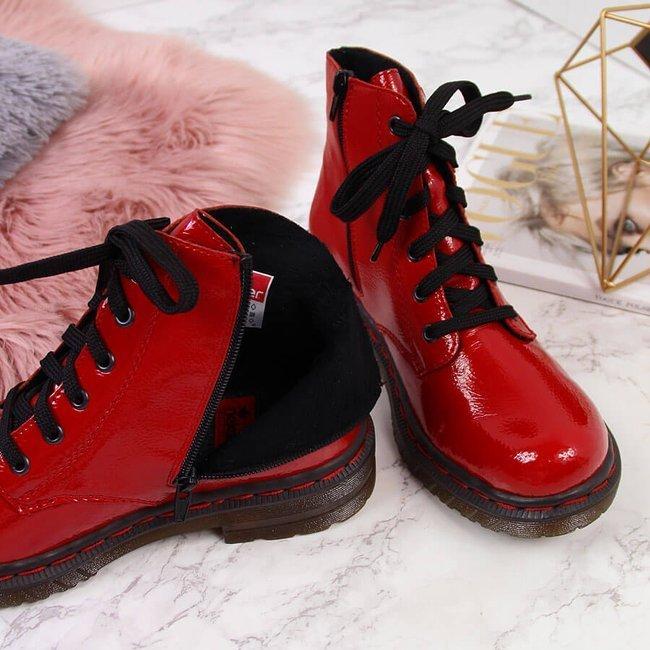Glany damskie lakierowane czerwone Rieker  76240