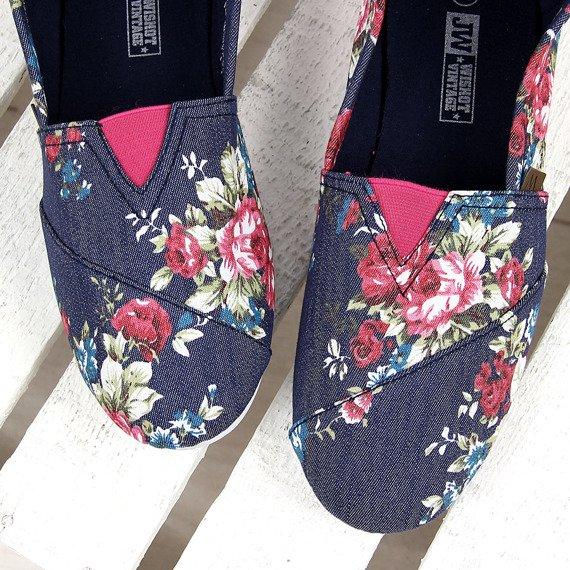 Granatowe tenisówki w kwiaty tomsy Wishot