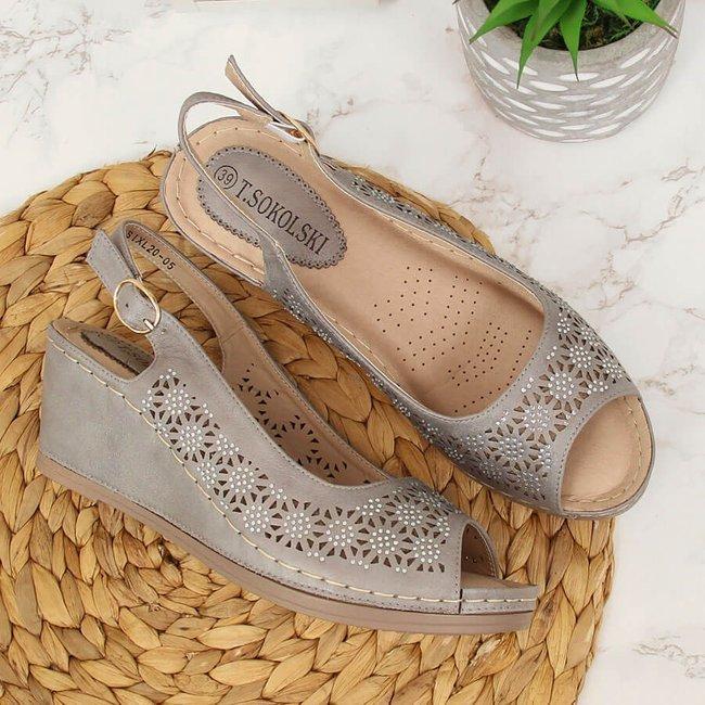 Sandały damskie na koturnie ażurowe szare T.Sokolski