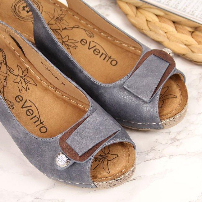 Sandały damskie na koturnie granatowe eVento