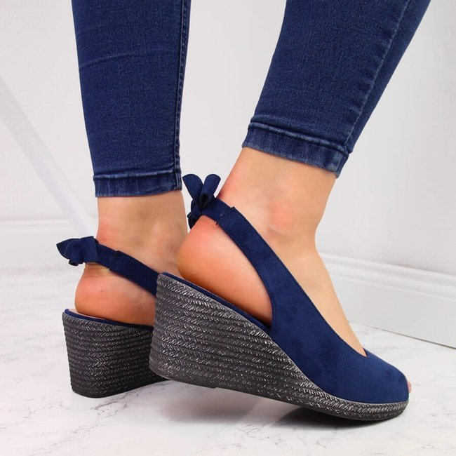Sandały damskie na koturnie z kokardką granatowe Vinceza