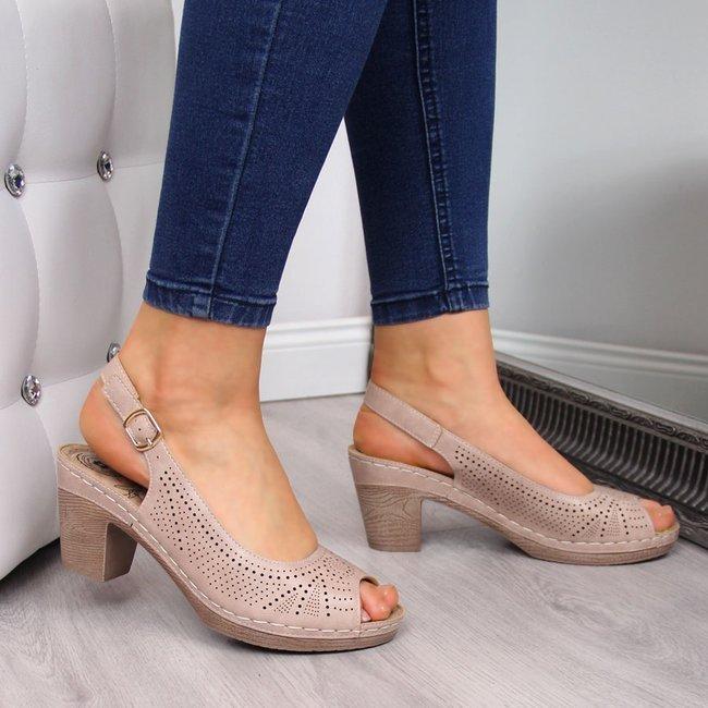 Sandały damskie na słupku ażurowe różowe eVento