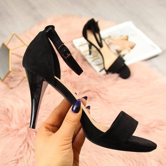 Sandały damskie na szpilce zamszowe czarne Vinceza