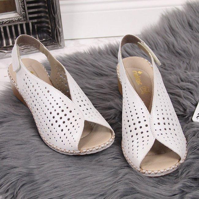 Sandały damskie skórzane ażurowe srebrne Rieker 66196