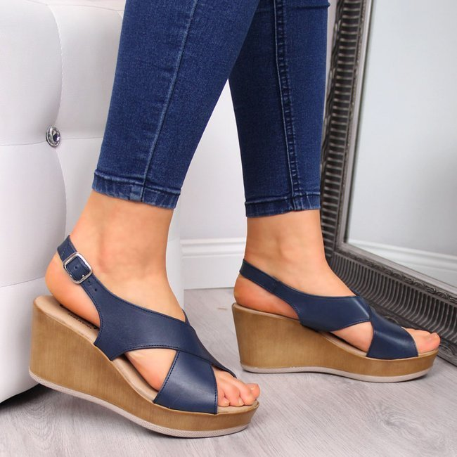 Sandały damskie skórzane na koturnie granatowe El Pimpi
