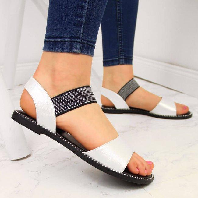 Sandały damskie z nitami na gumę perłowe białe S.Barski