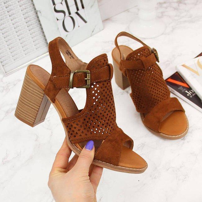 Sandały damskie zabudowane na słupku camel eVento