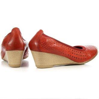 Skórzane półbuty damskie czerwone ażurowe Marco Tozzi 22500-26